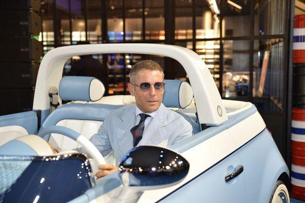 Estate 2018 : Lapo Elkann presenta la Fiat 500 Spiaggina di Garage Italia