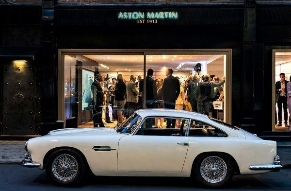 Londra: nuovo show-room Aston Martin