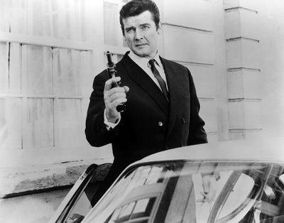 """La Volvo P1800 di Roger Moore utilizzata nella storica serie TV """" Il Santo"""""""